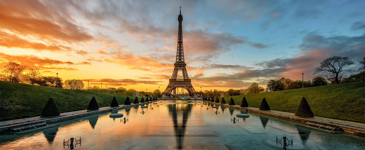 Eiffel Tower Reflection at Sunrise     GettyImages-622336790